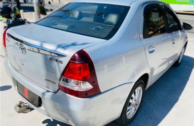 Toyota Etios 1.5 Platinum Sedan 16V Flex 4p Manual - Foto #5