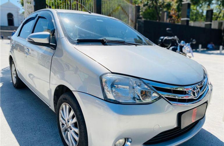 Toyota Etios 1.5 Platinum Sedan 16V Flex 4p Manual - Foto #6