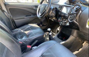 Toyota Etios 1.5 Platinum Sedan 16V Flex 4p Manual - Foto #7