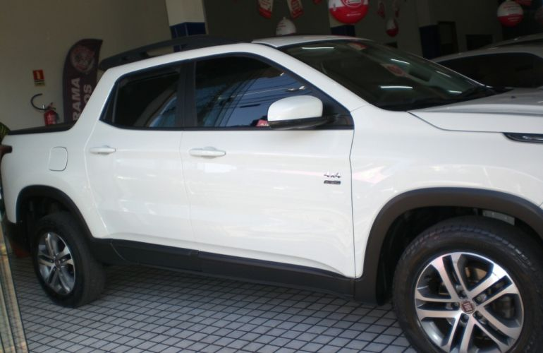 Fiat Toro Freedom 2.0 diesel AT9 4x4 - Foto #8
