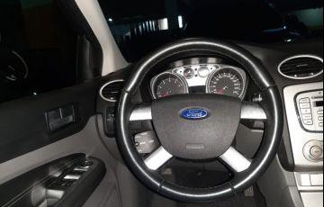 Ford Focus Hatch GLX 2.0 16V (Flex) (Aut) - Foto #6