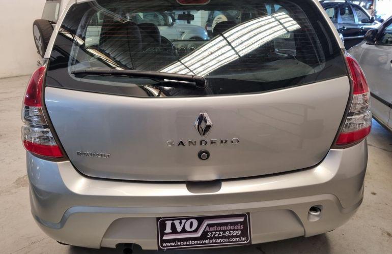 Renault Sandero 1.0 Expression 16v - Foto #6