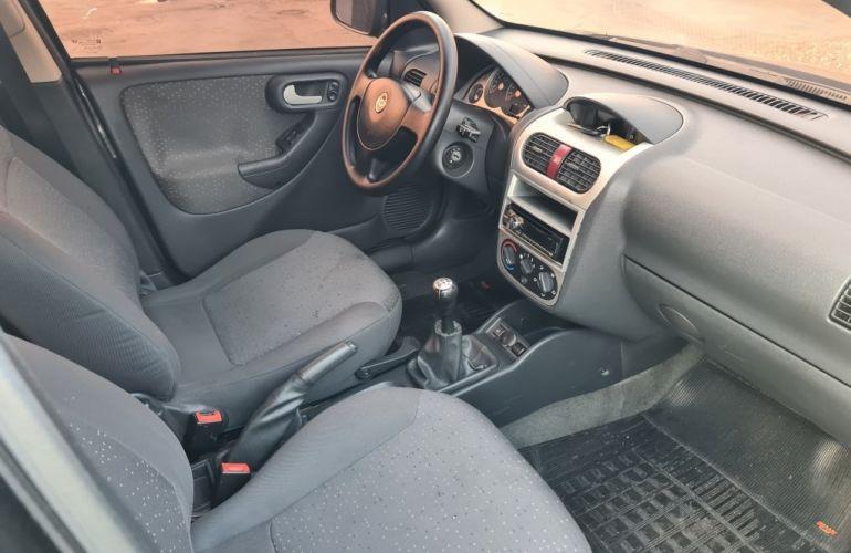 Chevrolet Corsa Hatch 1.4 EconoFlex Premium - Foto #8