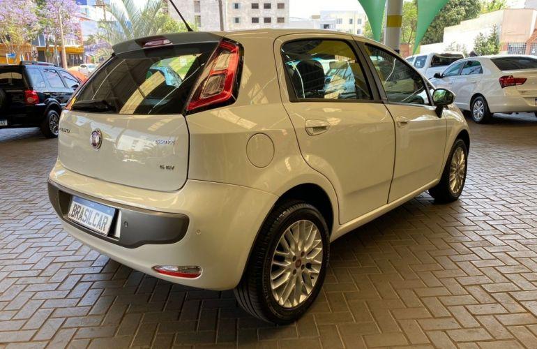 Fiat Punto Essence 1.6 16V (Flex) - Foto #4