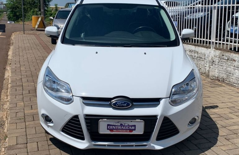 Ford Focus Fastback SE 2.0 PowerShift - Foto #2