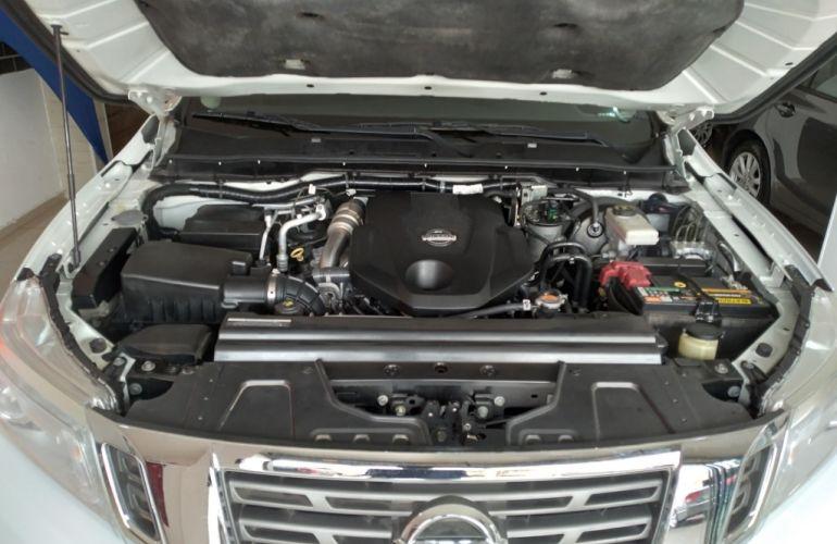 Nissan Frontier XE Bi-Turbo Diesel 4X4 (Aut) - Foto #7