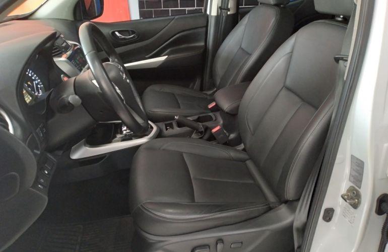 Nissan Frontier XE Bi-Turbo Diesel 4X4 (Aut) - Foto #10