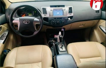 Toyota Hilux Sw4 2.7 Sr 4x2 16V Flex 4p Automático - Foto #2