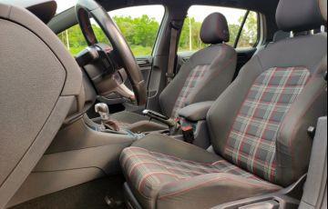 Volkswagen Golf GTI 2.0 TSi DSG - Foto #6