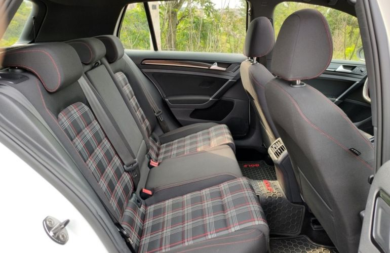 Volkswagen Golf GTI 2.0 TSi DSG - Foto #9