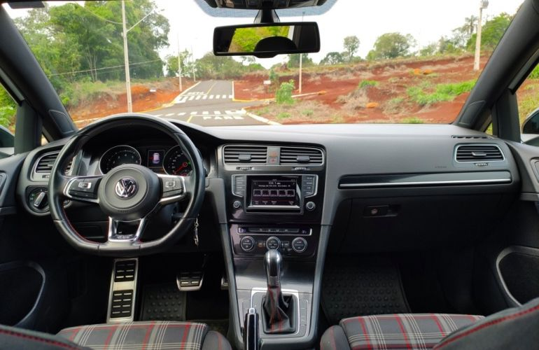 Volkswagen Golf GTI 2.0 TSi DSG - Foto #10