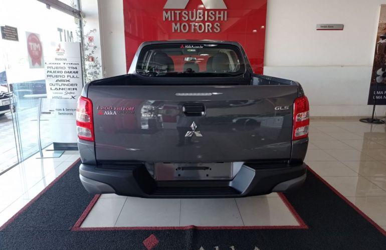Mitsubishi L200 Triton Outdoor GLS 2.4 - Foto #10