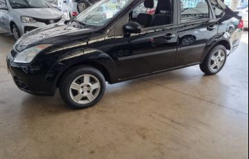 Ford Fiesta 1.0 MPi Sedan 8v - Foto #3