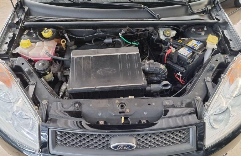 Ford Fiesta 1.0 MPi Sedan 8v - Foto #5
