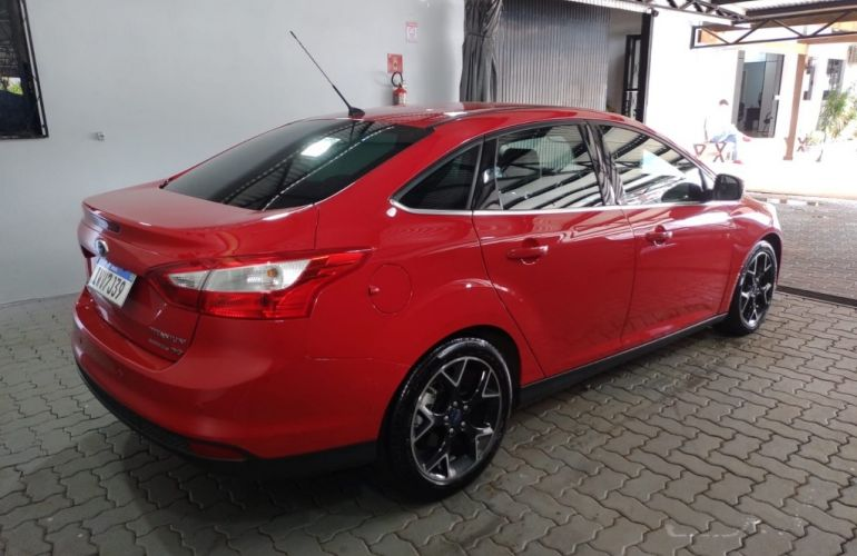 Ford Focus Sedan Titanium 2.0 16V (Aut) - Foto #5