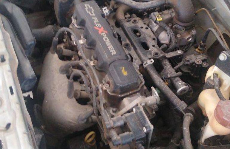 Chevrolet Corsa Sedan Joy 1.0 (Flex) - Foto #2