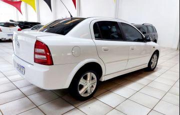 Chevrolet Astra Sedan 1.8 8V - Foto #2
