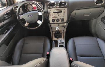 Ford Focus Hatch 2l Hc 2.0 16v - Foto #5
