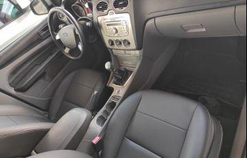Ford Focus Hatch 2l Hc 2.0 16v - Foto #6