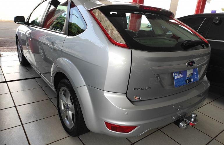 Ford Focus Hatch 2l Hc 2.0 16v - Foto #9