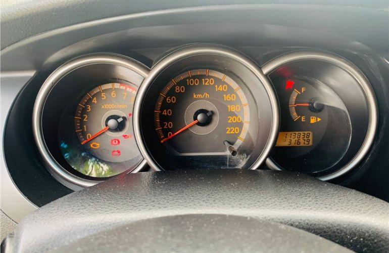 Nissan Livina 1.8 SL 16V Flex 4p Automático - Foto #8