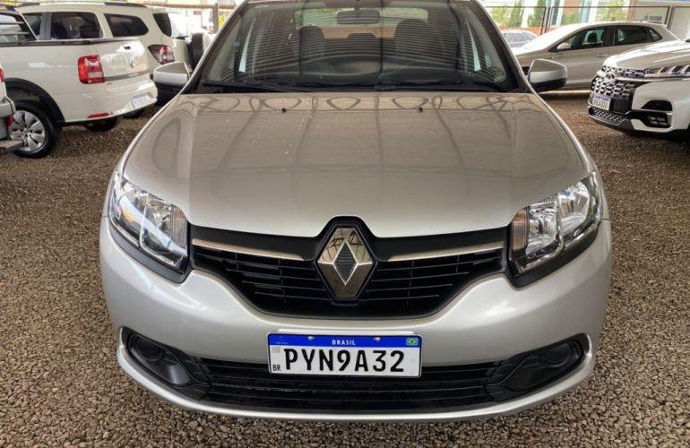 Renault Logan Expression 1.6 16V SCe Easy-R (Flex) - Foto #1