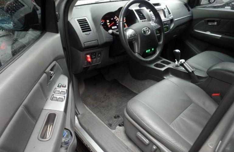 Toyota Hilux Srv 4x2 Cabine Dupla 2.7 16v - Foto #3