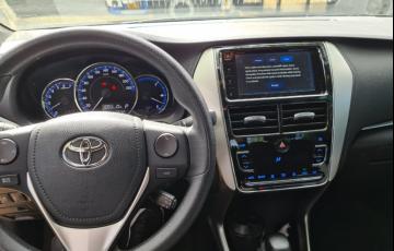 Toyota Yaris Sedan 1.5 XL Plus Connect Tech CVT - Foto #4