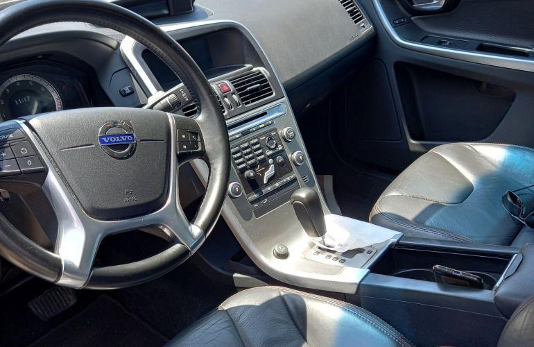 Volvo XC60 AWD 3.0 24V Comfort - Foto #3