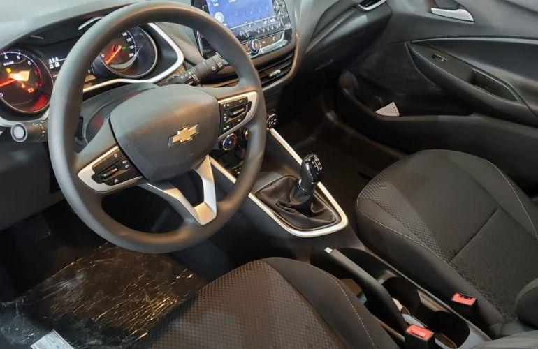 Chevrolet Onix 1.0 - Foto #3