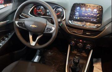 Chevrolet Onix 1.0 - Foto #5