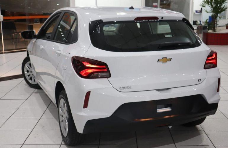 Chevrolet Onix 1.0 - Foto #9