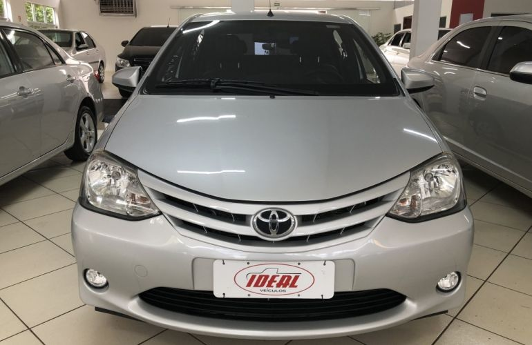 Toyota Etios Sedan XS 1.5 (Flex) - Foto #1