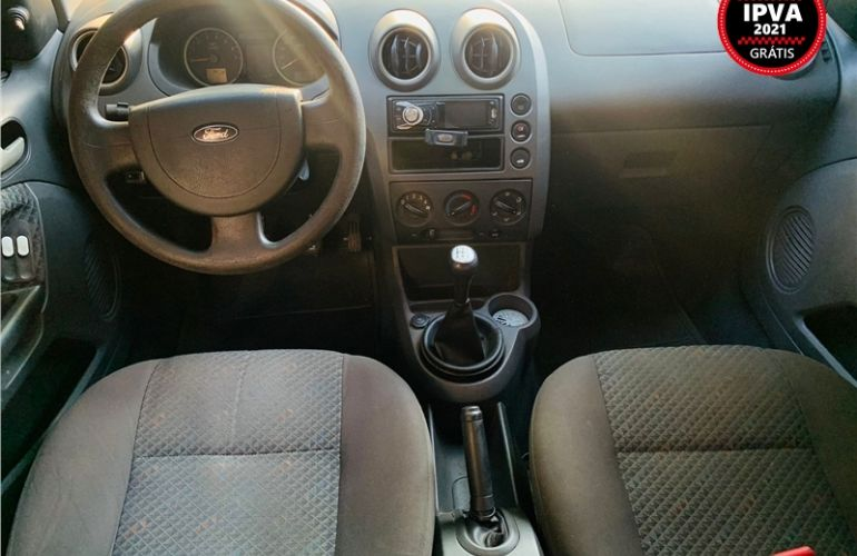 Ford Fiesta 1.6 MPi Hatch 8V Flex 4p Manual - Foto #2