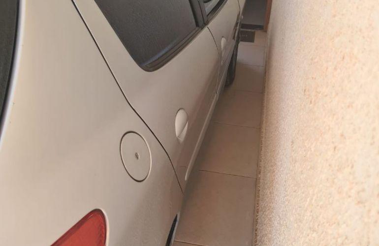 Peugeot 206 Hatch. Allure 1.6 16V (flex) - Foto #2