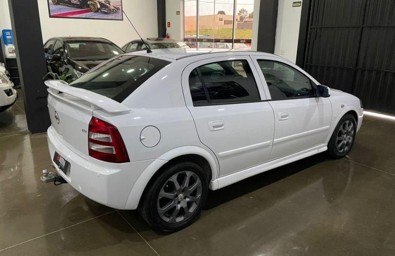 Chevrolet Astra Hatch Advantage 2.0 (Flex) (Aut) - Foto #4