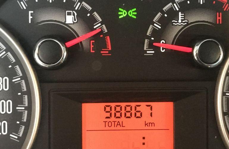 Fiat Strada Trekking 1.6 16V (Flex) (Cabine Estendida) - Foto #8