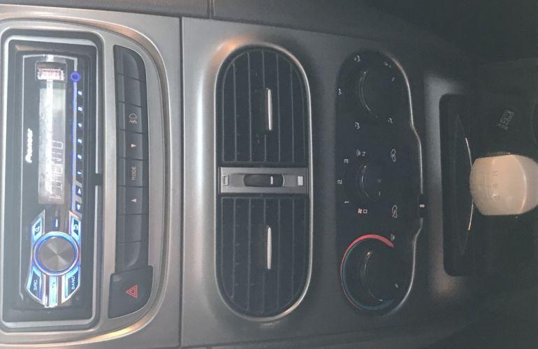 Fiat Strada Trekking 1.6 16V (Flex) (Cabine Estendida) - Foto #9