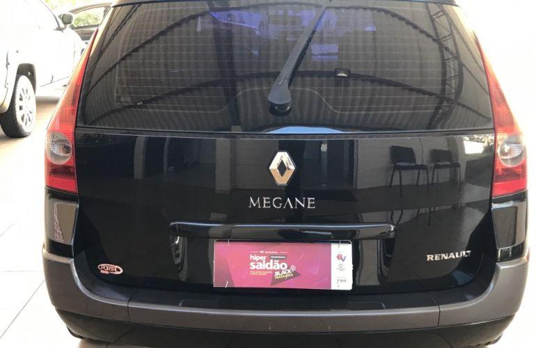Renault Mégane Grand Tour Dynamique 2.0 16V (aut) - Foto #5