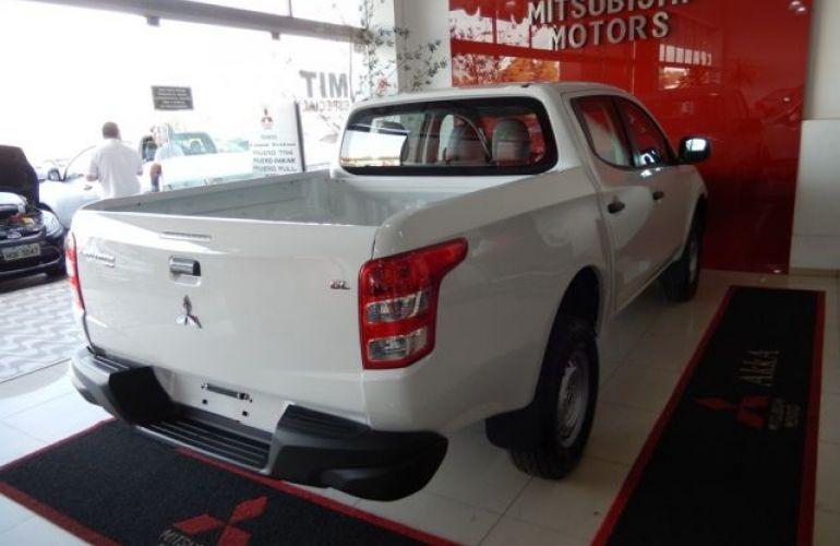 Mitsubishi L200 Triton Sport GL 2.4 - Foto #4