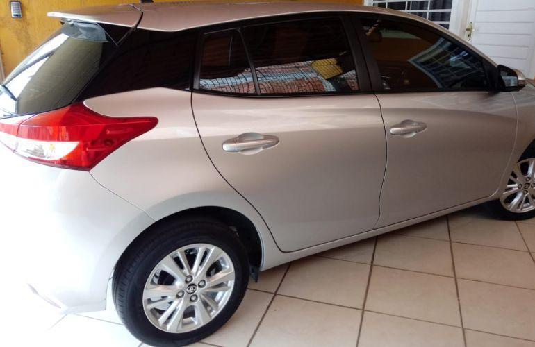 Toyota Yaris 1.3 XL (Flex) - Foto #4