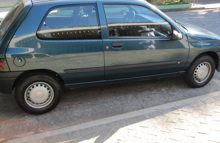 Renault Clio Hatch. RL 1.6 (importado) - Foto #1