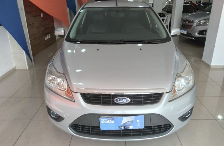 Ford Focus Sedan 2.0 16V (Aut) - Foto #3