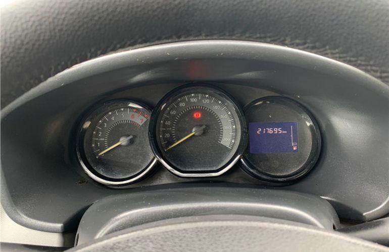 Renault Logan 1.0 Expression 16V Flex 4p Manual - Foto #8