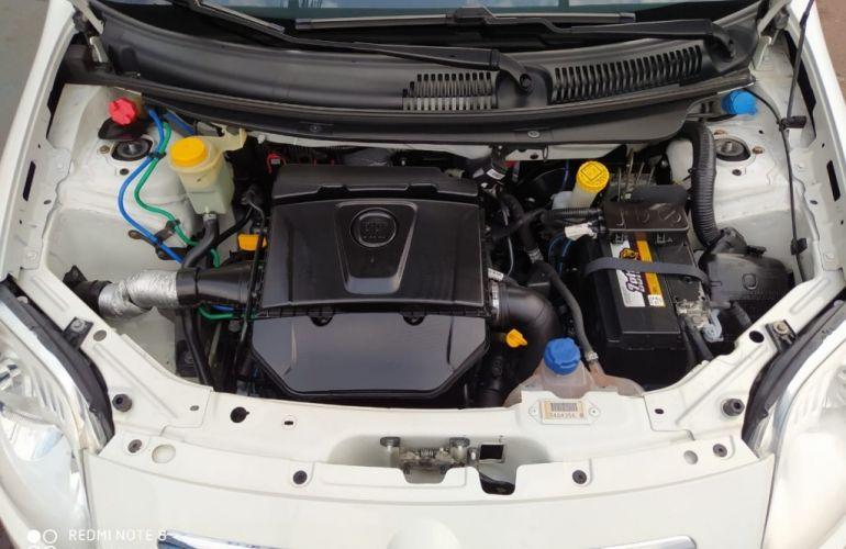 Fiat Palio Essence 1.6 16V (Flex) - Foto #8