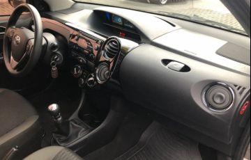 Toyota Etios XS 1.5 (Flex) - Foto #7