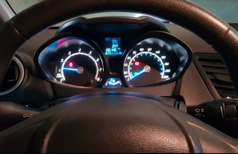 Ford New Fiesta SE 1.5 16V - Foto #2