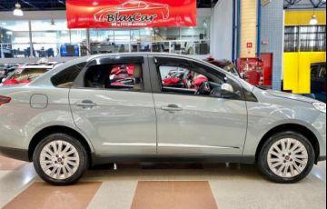 Fiat Siena Essence 1.6 Flex 16v - Foto #2