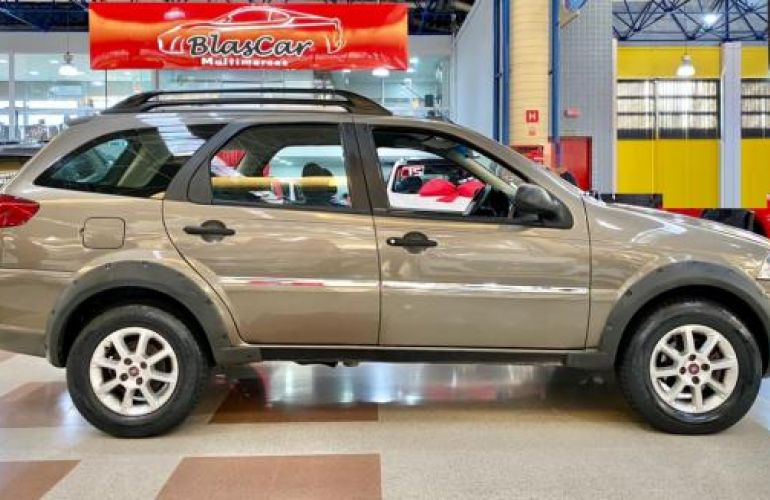 Fiat Weekend Trekking 1.6 Flex 16V 5p - Foto #2