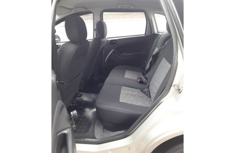 Ford Fiesta Hatch 1.6 (Flex) - Foto #10